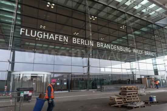 1335374390-the-new-berlin-brandenburg-airport-willy-brandtpart1_1174792(1)