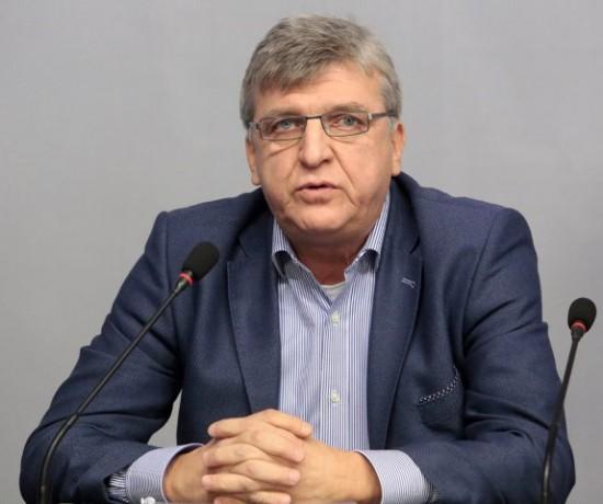Manol Genov